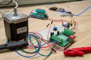 בדיקות למנוע חשמלי